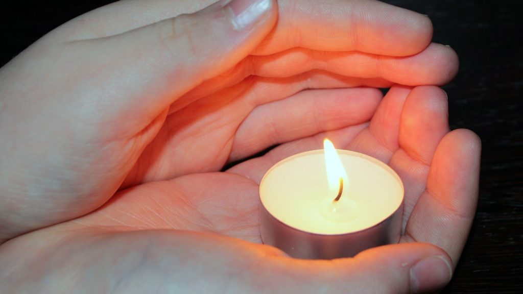 Protect an Estate Candle